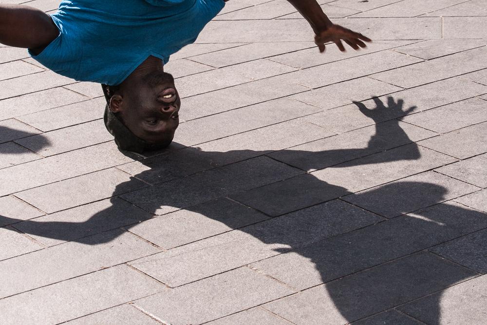 performer upside down
