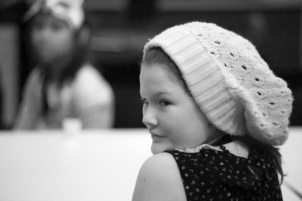 The girl with a woollen hat